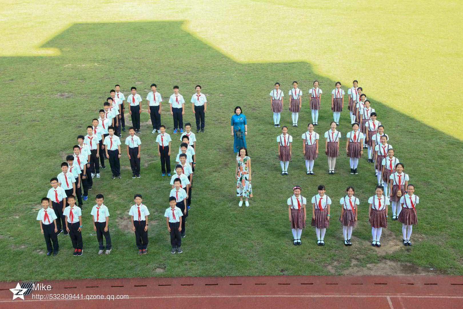 3,学习小组照(每个小组1张)  4,学生个人照(每个人1张) 5,男生集体照图片